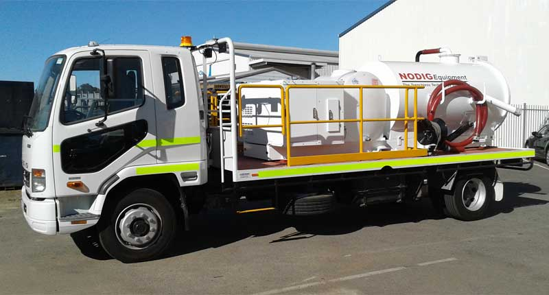 vacuum excavation truck 001